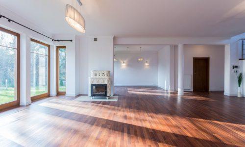 Jak dobrać drzwi do podłogi?